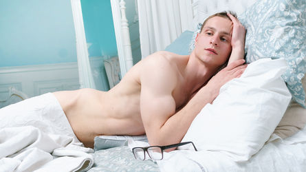 a0AlwaysUpForIt's profile picture – Gay on LiveJasmin