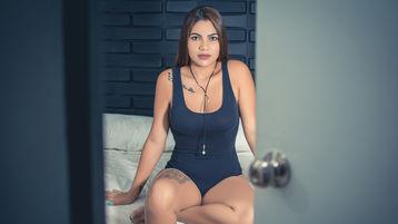 Show fierbinte la webcam DianaAbreu  – Fata pe Jasmin