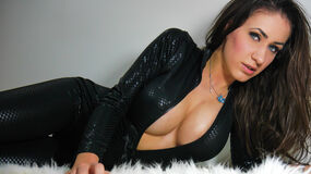 Show-ul fierbinte al lui deeana89 – Fata pe Jasmin