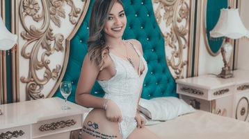 Show fierbinte la webcam AmyNikolov  – Fata pe Jasmin