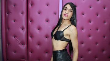 Show di sesso su webcam con KinkyLucianna – Transessuali su Jasmin