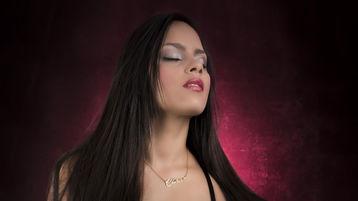 AngellilBlack のホットなウェブカムショー – Jasminのガールズ