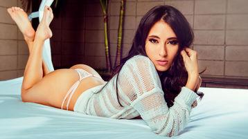 Show fierbinte la webcam MiaShrimpton  – Fata pe Jasmin