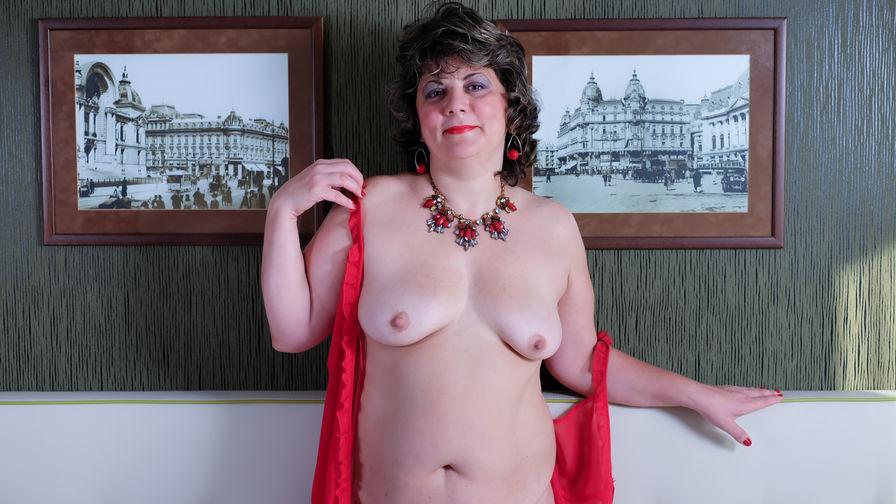 CurvyRitaのプロフィール画像 – LiveJasminの熟女カテゴリー