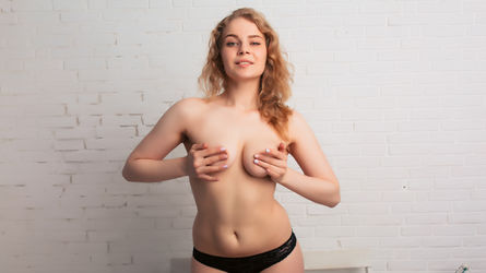 LovelyBenitaKs's profile picture – Girl on LiveJasmin