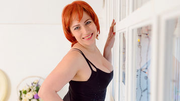 Show di sesso su webcam con CurvyPleasureX – Donna su Jasmin