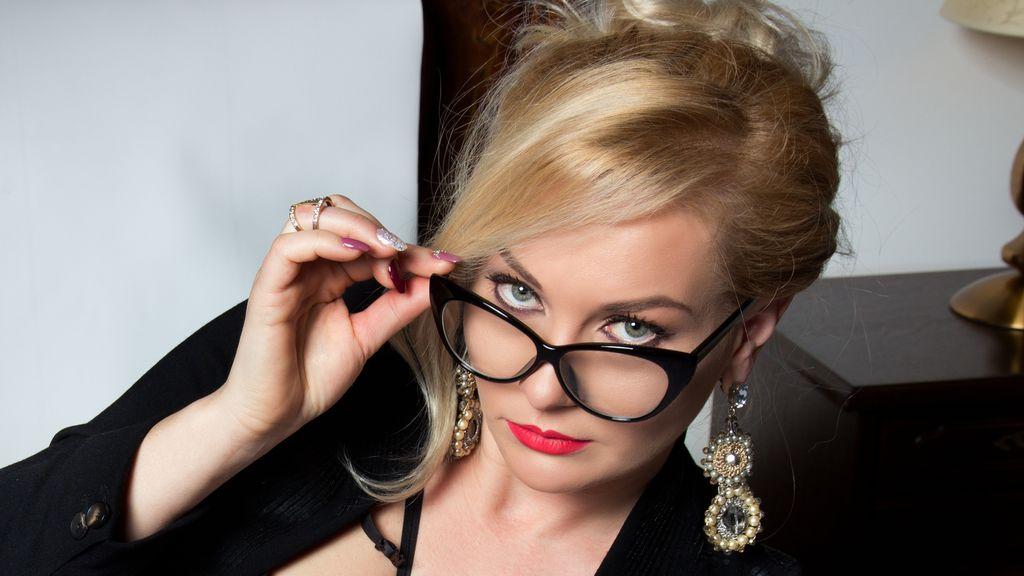 Kattiya's hot webcam show – Hot Flirt on LiveJasmin