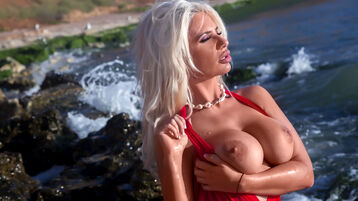 Show quente na webcam de BellaDissik – Meninas em Jasmin