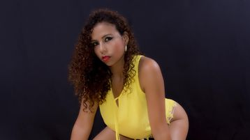 Show di sesso su webcam con YeseniaRios – Donna su Jasmin
