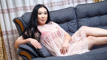 Show-ul fierbinte al lui UmiMun – Fata pe Jasmin