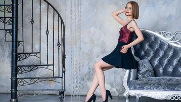 Show di sesso su webcam con AdelAngee – Donna su Jasmin