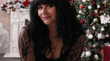 Show fierbinte la webcam KattyCrumpet  – Fata pe Jasmin