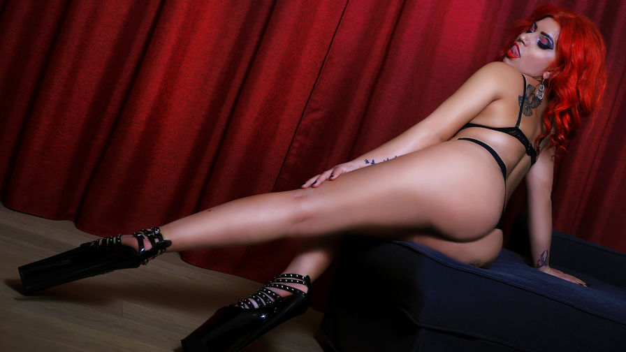 SARAxREDxLADY's profile picture – Fetish on LiveJasmin