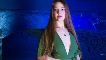 Show fierbinte la webcam ReginaRococo  – Fata pe Jasmin
