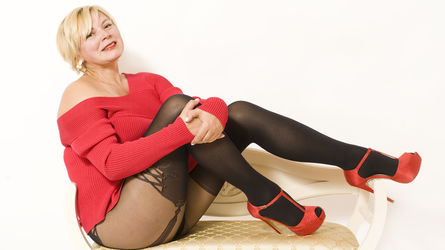bustyiren4u's profile picture – Mature Woman on LiveJasmin